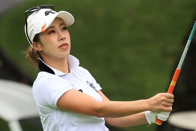 初日を首位で終えた加賀其真美(※日本女子プロゴルフ協会)