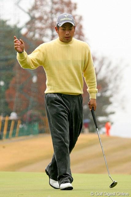 2009年 ゴルフ日本シリーズJTカップ 3日目 池田勇太 満身創痍の状態で5バーディを奪う健闘を見せた池田勇太だが…