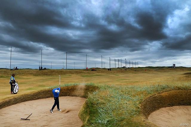 夏でも重く漂うスコットランド特有の暗い空。でも、例年より暖かく、雨も比較的少ない週になりそうです