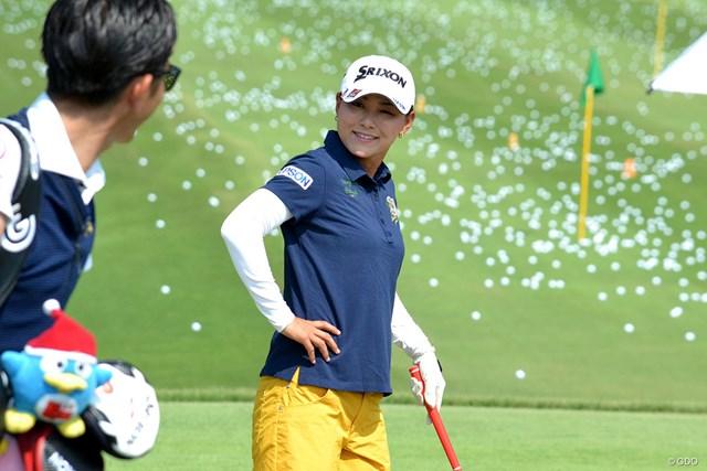 2018年 センチュリー21レディスゴルフトーナメント 事前 横峯さくら 気温は37度を記録したが、横峯さくらは笑顔で調整