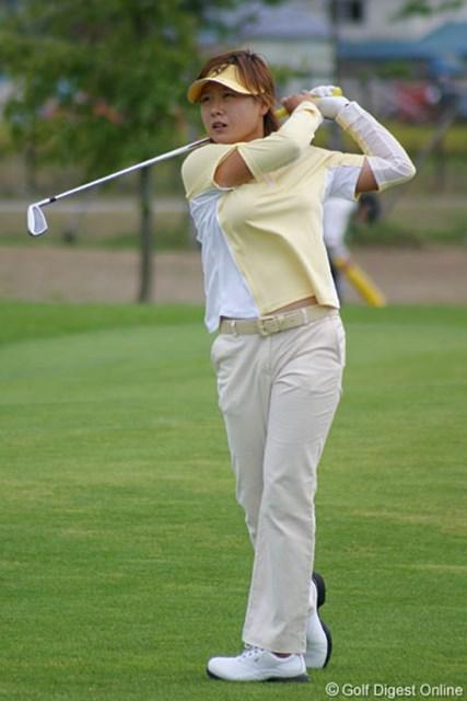 2006年 ゴルフ5レディスプロゴルフトーナメント 2日目 ペ・ジェヒ 初の単独首位からツアー初優勝を狙うペ・ジェヒ