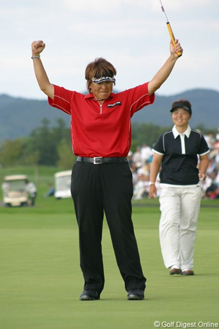 2006年 ゴルフ5レディスプロゴルフトーナメント 最終日 魏ユンジェ 2年連続で不動に屈した魏ユンジェが、3年目でついに勝利を掴んだ