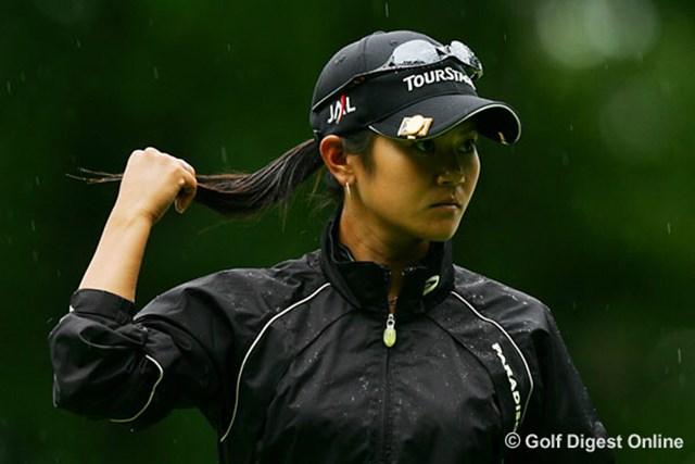 2006年 日本女子プロゴルフ選手権大会コニカミノルタ杯 事前 宮里藍 10ヵ月ぶりの日本ツアー復帰となる宮里藍。その練習ラウンドは雨の中だった