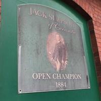 全英歴代王者のジャック・シンプソンの兄弟が営んだゴルフショップ 2018年 全英オープン カーヌスティのゴルフショップ