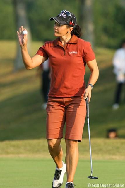 7アンダーで単独首位に立ったオーストラリアのR.ヘザリントン(34)。LPGAツアー8勝の実力者だ