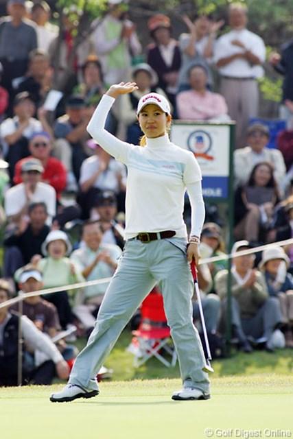 2006年 ミズノクラシック 2日目 上田桃子 最後もバーディで締めてこの日64の自己ベスト!2日目を終え、なんと単独トーナメントリーダーの上田桃子