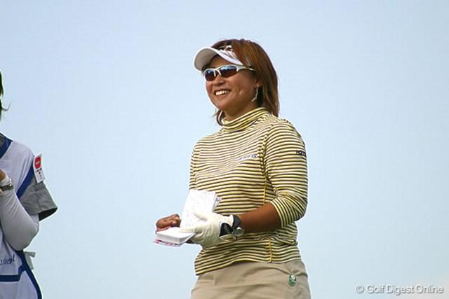 2006年 伊藤園レディスゴルフトーナメント 初日 馬場ゆかり チップインイーグル直後の上機嫌な馬場ゆかり「またここでイーグル取っちゃった!」