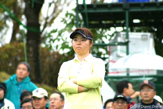 2006年 伊藤園レディスゴルフトーナメント 2日目 不動裕理 ディフェンディングチャンピオンの不動裕理だが、今年の大会は優勝は難しそう