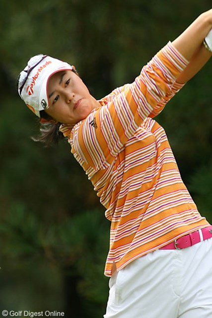 2006年 LPGAツアーチャンピオンシップリコーカップ 最終日 諸見里しのぶ 後半スコアを崩し横峯についていけなかった諸見里しのぶ