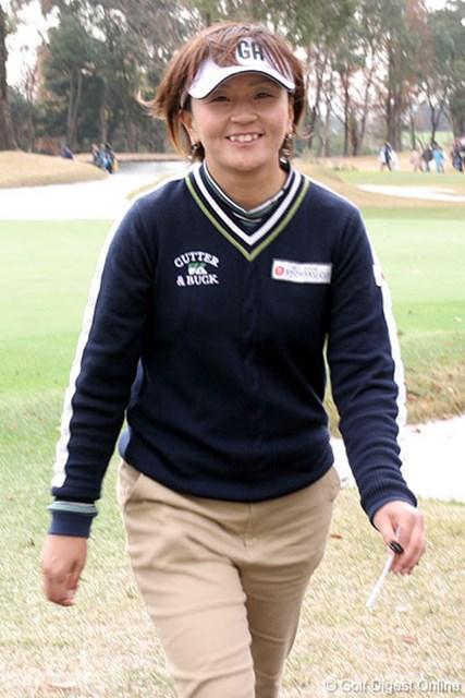 2006年 日韓女子プロゴルフ対抗戦 初日 茂木宏美 朴セリに勝ち笑顔で引き上げてきた茂木宏美