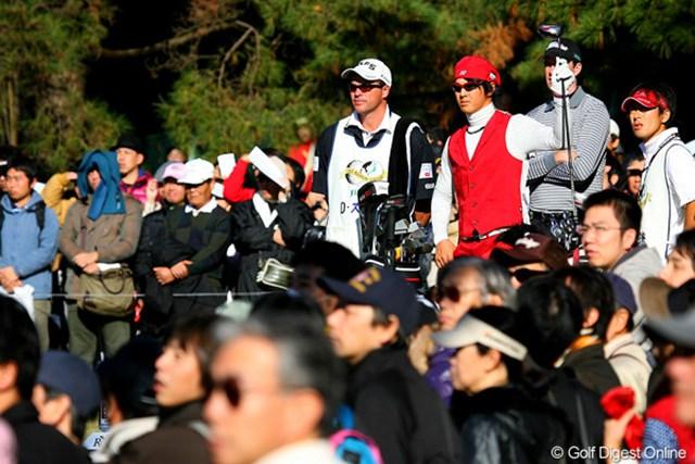 石川遼の賞金王決定の瞬間を見に来た方も多かったことだろう。この日は15,597人のギャラリーが入場した