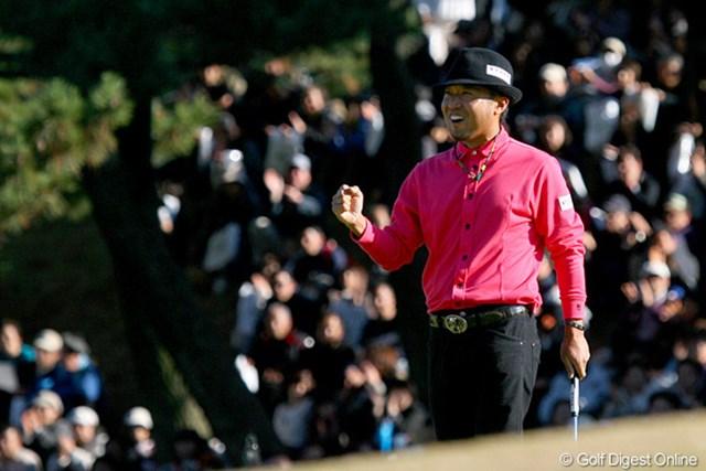 トレードマークのテンガロン…かと思いきや、よく見たら帽子でした