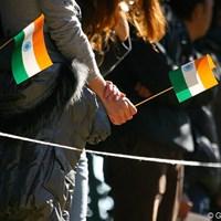 J.M.シンのいる最終組にはインドの国旗を持った応援団が 2009年 ゴルフ日本シリーズJTカップ最終日 インドの国旗