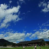 山の上の空は空気が澄んでます。 2018年 CATレディース 初日 9番ホール