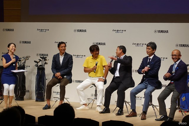 +2どころか+3の飛び!? 有村智恵も驚いた新「インプレス UD+2」 発表会に登壇した(左から)阿部祐二さん、鹿又芳典さん、タケ小山さん