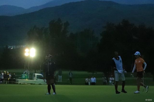 2018年 ニトリレディスゴルフトーナメント 3日目 投光器 1台の投光器だけってどうなのよ?