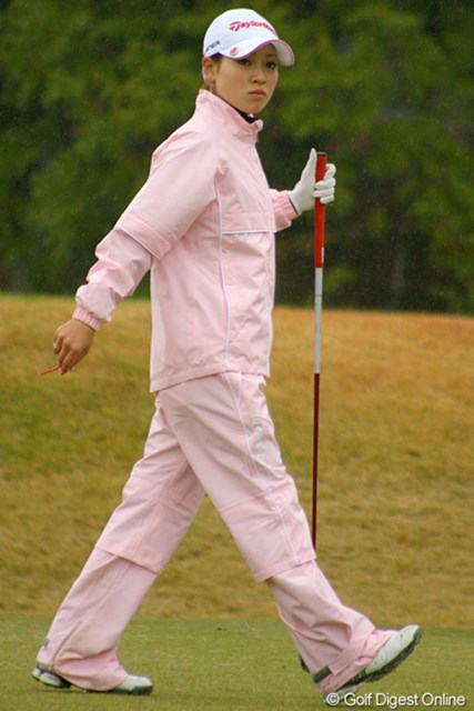 2009年 LPGA新人戦 最終日 竹村真琴 期待が高かった竹村真琴だが、終始振るわず下位で大会を終えた