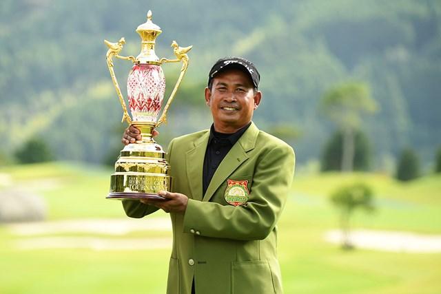 国内シニアツアー初優勝を飾ったタワン・ウィラチャン ※提供:日本プロゴルフ協会