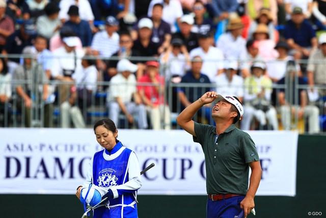 2018年 アジアパシフィック選手権ダイヤモンドカップゴルフ 最終日 池田勇太 勝利を決めると空を見上げた。「きょうは楽に勝ちたかった」と池田勇太