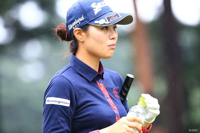 2018年 日本女子オープンゴルフ選手権競技 初日 新垣比菜 給水