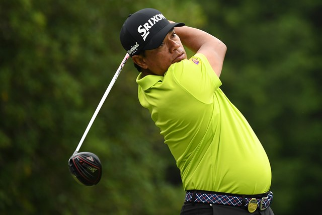 2018年 日本プロゴルフシニア選手権大会 住友商事・サミットカップ 2日目 プラヤド・マークセン 今季5勝のマークセンが首位タイに浮上(提供:日本プロゴルフ協会)