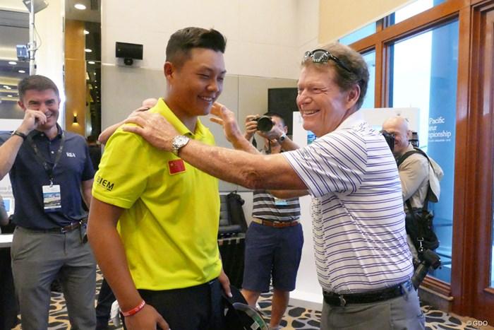 ワトソンから「シンプルにやることが大事」と激励されたリン・ユーシン アジアパシフィックアマチュアゴルフ選手権 3日目 トム・ワトソン リン・ユーシン