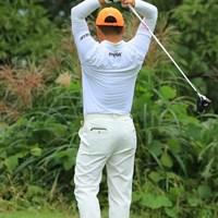 毎回この素振りのバックスイング。つまりこれが虎さんの理想とするバックスイングのイメージなんだろうな。 2018年 日本オープンゴルフ選手権競技 最終日 チェ・ホソン