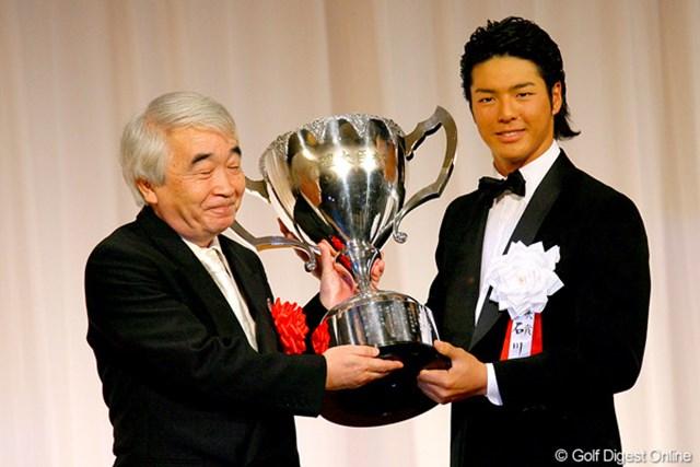 6人目となる2年連続での大賞受賞となった石川遼