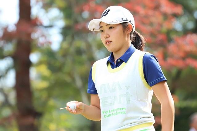 古江彩佳がアマチュアとして史上6人目の女子下部ツアーへ首位で最終日を迎える(提供:日本女子プロゴルフ協会)