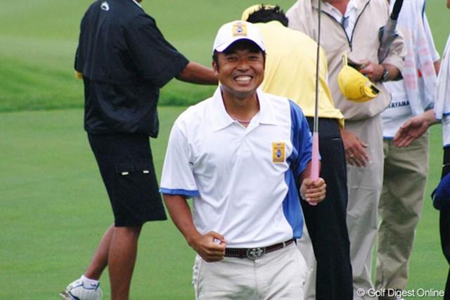 2005年 ダイナスティカップ 2日目 片山晋呉 最終18番でバーディを奪い引き分けに持ち込んだ片山晋呉