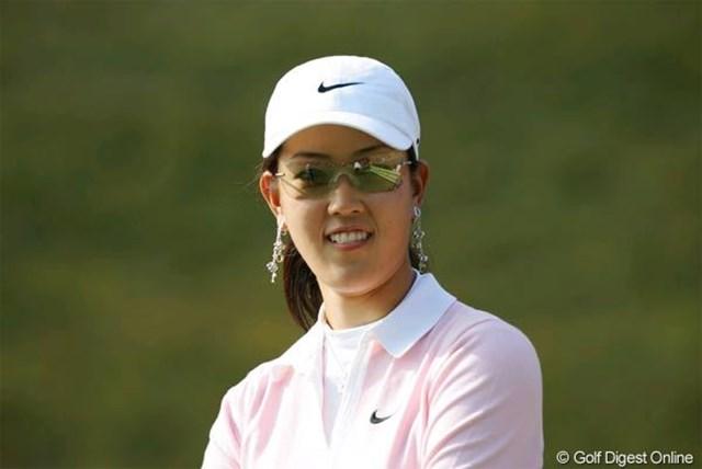 2005年 カシオワールドオープンゴルフトーナメント 事前 ミッシェル・ウィ 多くの報道陣を引き連れ、練習ラウンドを行ったミッシェル・ウィ
