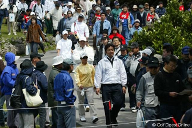 2005年 ダイキンオーキッドレディスゴルフトーナメント 初日 平日にもかかわらず、1995年以来の記録となる6,321人の大ギャラリーが集結した!