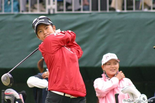 2005年 サロンパスワールドレディスゴルフトーナメント 2日目 宮里藍 3アンダーの4位タイに浮上した宮里藍。明日からの決勝ラウンドに期待がかかる