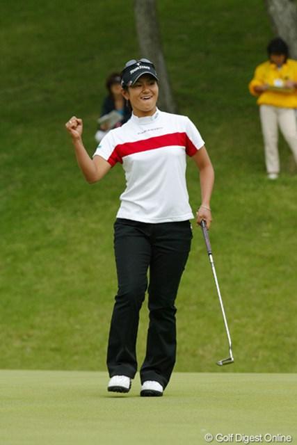2005年 サロンパスワールドレディスゴルフトーナメント 最終日 宮里藍 17番パー5で、見事2オンに成功しイーグルを奪った宮里藍