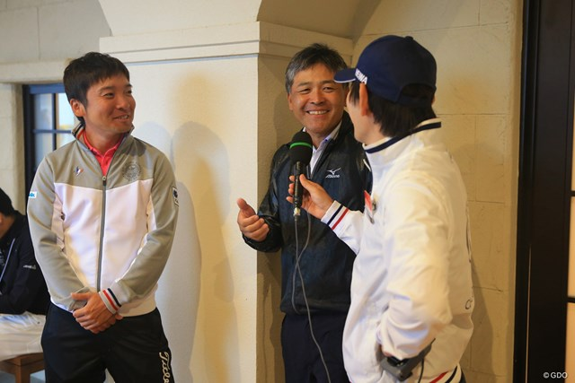 2018年 HEIWA・PGM CHAMPIONSHIP 3日目 日高将史 手嶋多一 中断中にインターネット中継のインタビュー。