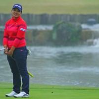 最終ホールのバーディパットはわずかに外れた。鈴木愛はゴルフを楽しむことを意識する 2018年 伊藤園レディスゴルフトーナメント 初日 鈴木愛