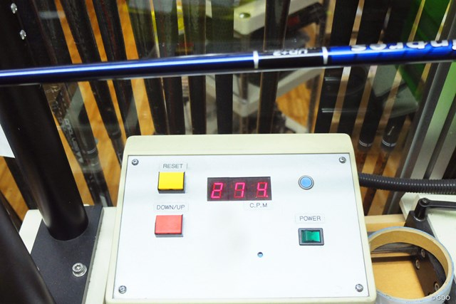 試打クラブの振動数は274cpm。超軽量スチール「ゼロス7」も選ぶことができる