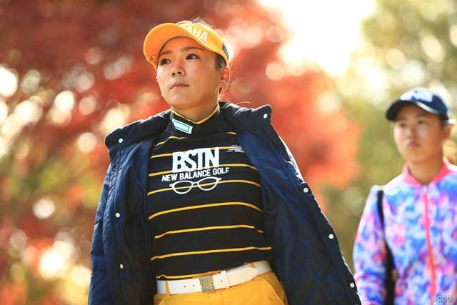 今季2勝目へ首位で最終日に臨む有村智恵