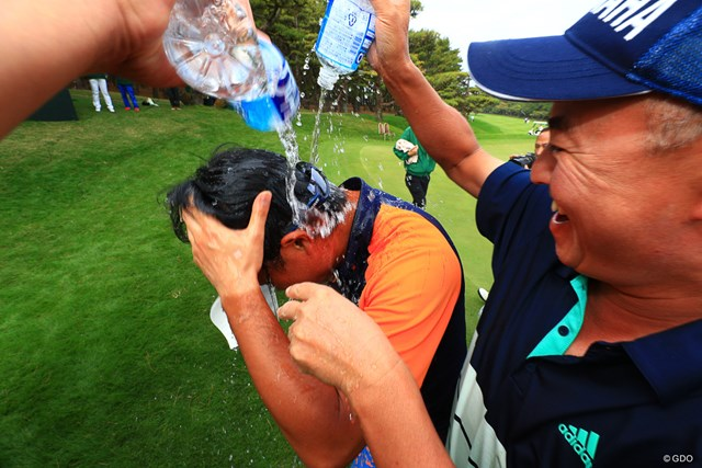 2018年 ダンロップフェニックストーナメント 最終日 市原弘大 弘大選手の水かけは激しい
