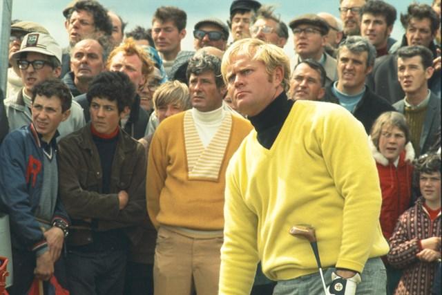 1970年の全英オープンでのニクラスとダグ・サンダース。セントアンドリュース、オールドコースにて(GETTY IMAGES INC/米ゴルフダイジェスト誌)
