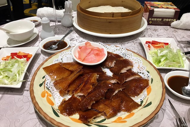 香港のダウンタウンで食べた北京ダック。とても美味しかったです