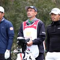 日本の小平智(右)と谷原秀人(左)は24位に順位を下げた(提供:大会広報) 2019年 ISPSハンダ ゴルフワールドカップ 3日目 谷原秀人 小平智