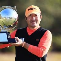 変則スイングでも話題!チェ・ホソンが5季ぶりのツアー2勝目を飾った 2018年 カシオワールドオープンゴルフトーナメント 最終日 チェ・ホソン
