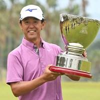 今季3勝目で2018年シーズンを締めくくった鈴木亨 ※提供:日本プロゴルフ協会 2018年 いわさき白露シニアゴルフトーナメント 最終日 鈴木亨