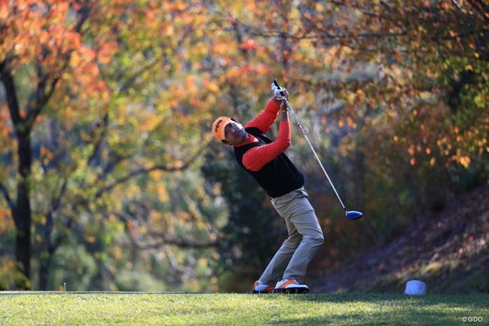 """体を回転し過ぎて後ろ向きに。チェ・ホソンが""""虎さんスイング""""を自己解説した 2018年 カシオワールドオープンゴルフトーナメント 最終日 チェ・ホソン"""