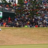 18番、グリーン手前からのアプローチ 2018年 ゴルフ日本シリーズJTカップ 最終日 堀川未来夢