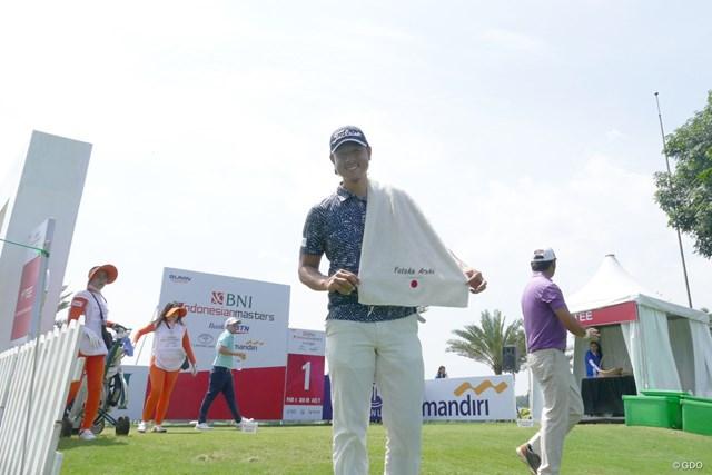 今季ADTで初優勝した39歳の新木豊。手にはJapanと記されたタオル