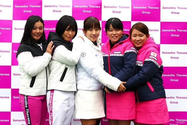 サマンサタバサと契約する選手がイベントに参加。左から山村彩恵 堀奈津佳 香妻琴乃 勝みなみ 吉本ひかる
