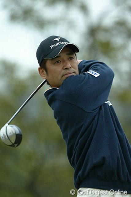 2004年 東建ホームメイトカップ 初日 伊沢利光 昨年の賞金王伊沢利光が7アンダーの首位スタート