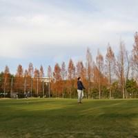 パッティング、チッピング用の広大なグリーン。東北福祉大ゴルフ部の強みのひとつだ 2018年 金谷拓実
